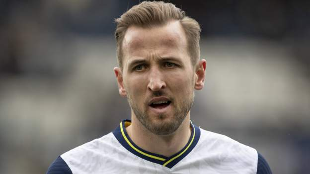 Harry Kane: Tottenham striker fails to indicate as much as Spurs' coaching floor