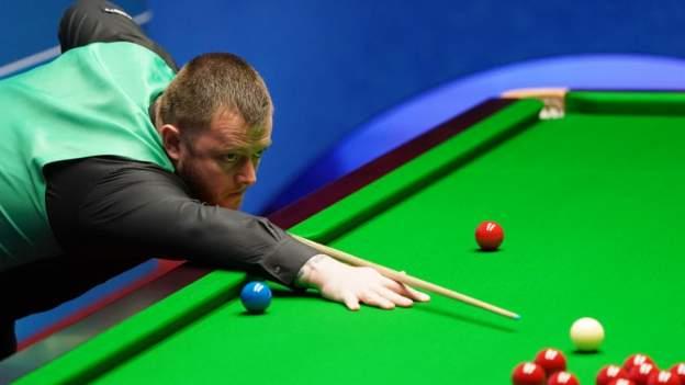 Mark Allen defeats former companion Reanne Evans at British Open