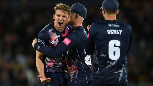 T20 Blast: Kent beat Birmingham Bears to safe first all-South Group Finals Day