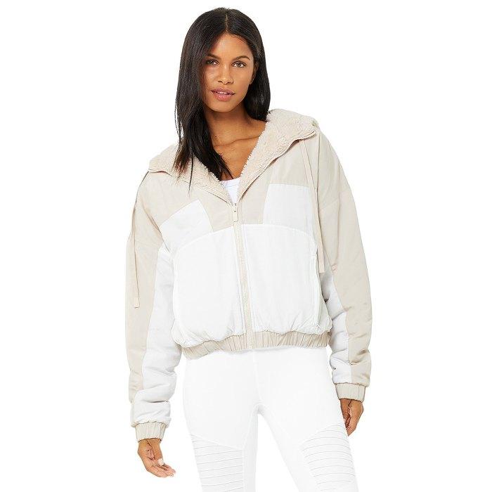 alo-yoga-sale-reversible-sherpa-jacket