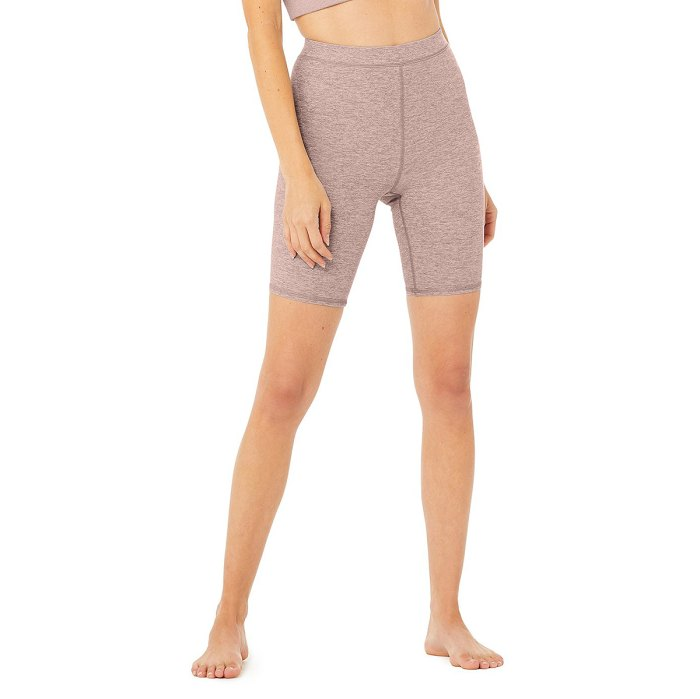 alo-yoga-sale-biker-shorts