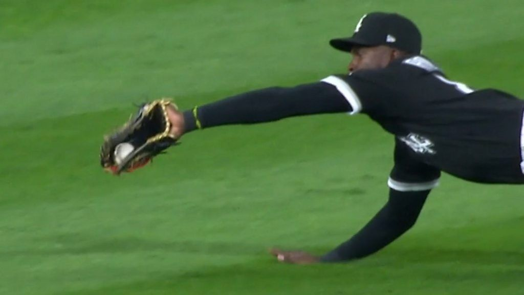 MLB: 'Superhuman stuff!' – White Sox's Robert makes spectacular diving catch